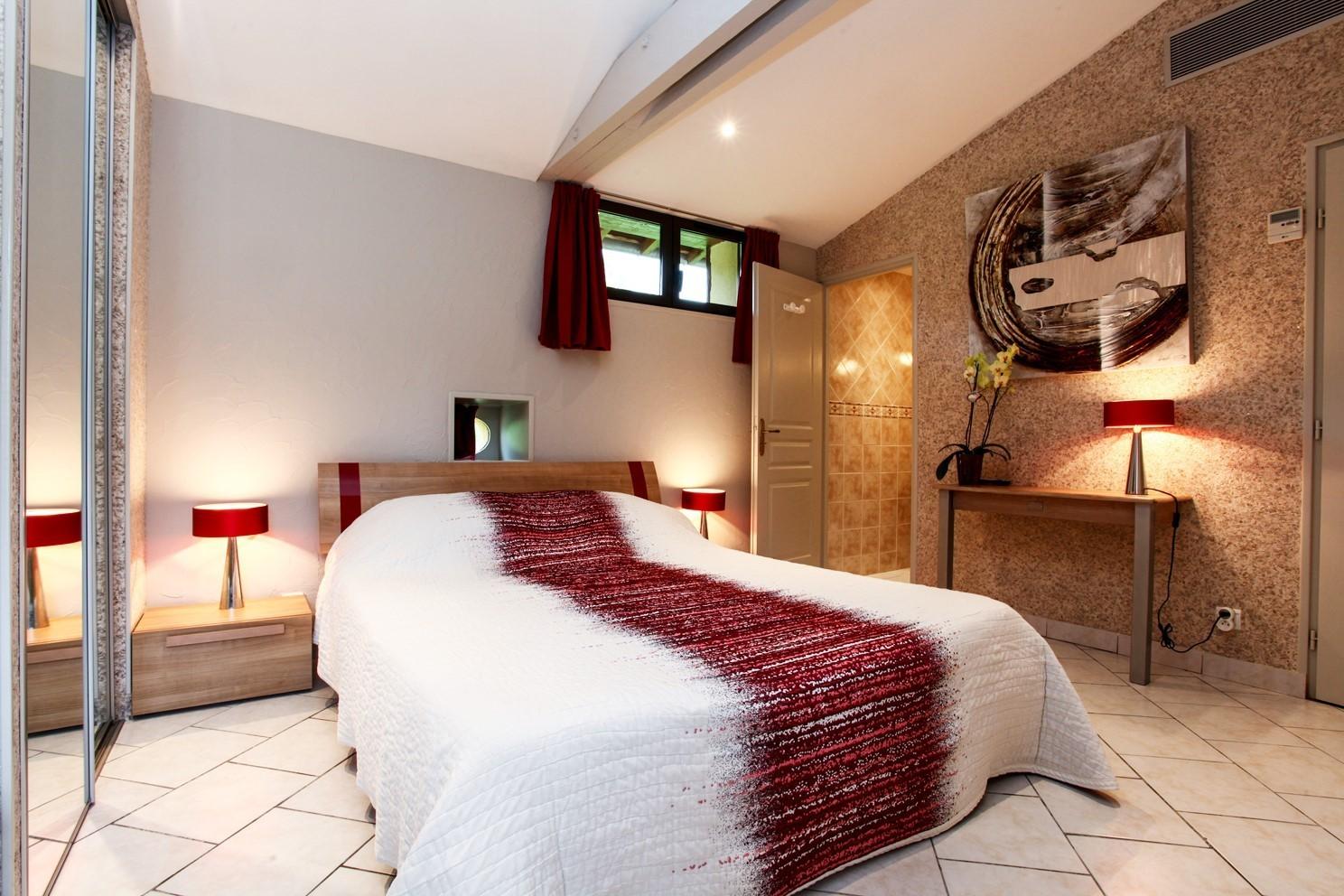 o louer une chambre petit prix sarlat louer chambre d 39 hotes. Black Bedroom Furniture Sets. Home Design Ideas